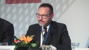 Ο Γιάννης Στουρνάρας σε διεθνές οικονομικό συνέδριο