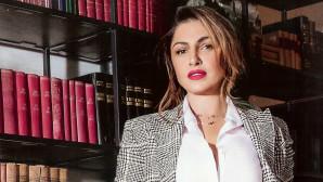 Έλενα Παπαρίζου: Γιατί δεν τελείωσε το σχολείο;