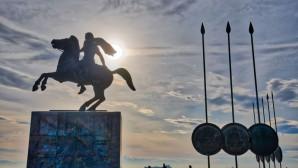 Άγαλμα Μεγάλου Αλεξάνδρου στη Θεσσαλονίκη