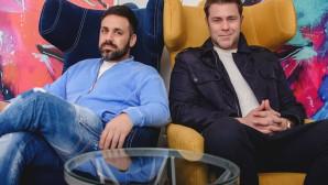 Γιαννιάς -  Χολίδης: Ενώνουν Τις Φωνές Τους Επί Σκηνής