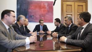 O Kυριάκος Μητσοτάκης με εκπροσώπους της Παμποντιακής Ομοσπονδίας Ελλάδος