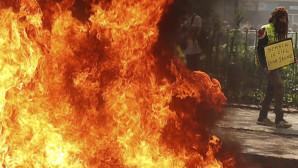 Άγρια επεισόδια στις διαδηλώσεις των «κίτρινων γιλέκων»