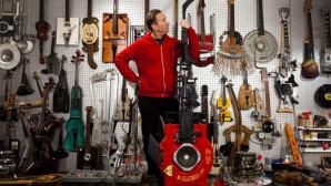 Ο Ken Butler από τη Νέα Υόρκη και τα αυτοσχέδια μουσικά όργανά του