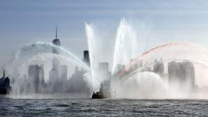 πλοίο την πυροσβεστικής της Νέας Υόρκης
