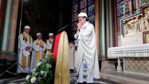 Πρώτη λειτουργία στην Παναγία των Παρισίων μετά την πυρκαγιά