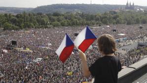 Τσεχία: Μαζική διαδήλωση κατά του Πρωθυπουργού