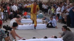 Ισπανία: Άνδρες κάνουν άλμα πάνω από μωρά για να διώξουν το κακό