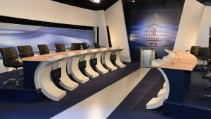 debate κενές καρέκλες