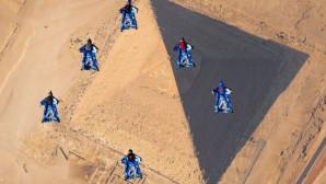 Αίγυπτος: Ελεύθερη πτώση πάνω από τις πυραμίδες
