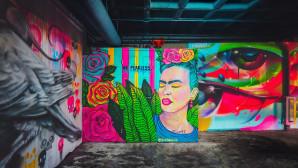 Γκράφιτι με την Φρίντα Κάλο σε δρόμο του Μεξικού
