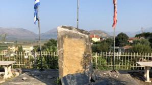 το μνημείο του Βορειοηπειρώτη Θύμιου Λιώλη