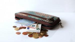 πορτοφόλι με χρήματα