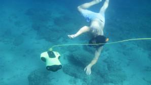 Κολυμβητής Με Drone