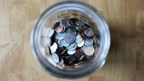 Χρήματα σε βάζο