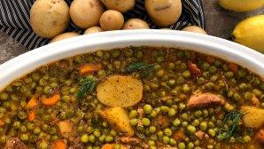 χοιρινό με αρακά και πατάτες