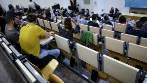 Φοιτητές στα έδρανα