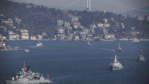 Πλοία του τουρκικού πολεμικού ναυτικού στον Βόσπορο