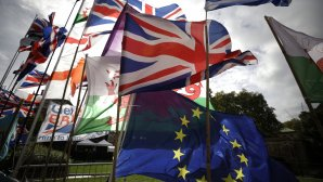 σημαίες Βρετανίας και Ε.Ε.