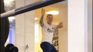 δανοί ποδοσφαιριστές χορεύουν τσιφτετέλι