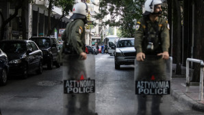 αστυνομικές δυνάμεις στα Εξάρχεια