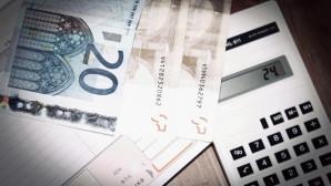 χρήματα και κομπιουτεράκι
