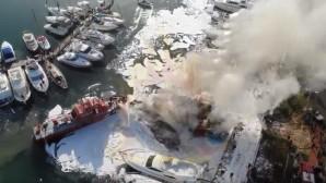 Μαρίνα Γλυφάδας: Φωτιά σε σκάφη - Εικόνες από ψηλά