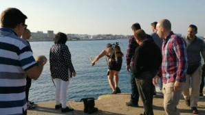 Ρόδος: Αυτοκίνητο βούτηξε μέσα στο λιμάνι