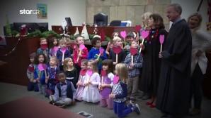 37 παιδάκια συγκεντρώθηκαν σε δικαστική αίθουσα στο Μίσιγκαν