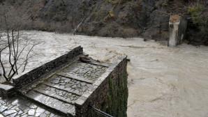 το ιστορικό γεφύρι της Πλάκας στα Τζουμέρκα