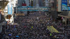 Μαζική διαδήλωση στο Χονγκ Κονγκ