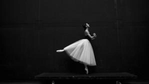 Μπαλαρίνα που χορεύει/ Φωτογραφία: unsplash