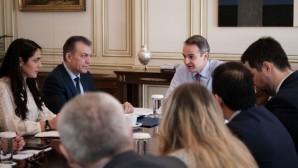 Ο Μητσοτάκης και η ηγεσία του υπουργείου Εργασίας