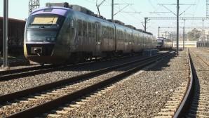 Τρένο στον ηλεκτρικό σταθμό του ΟΣΕ
