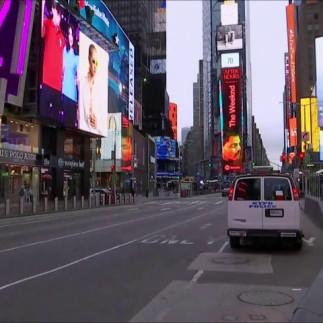 Η έρημη Νέα Υόρκη λόγω κορωνοϊού