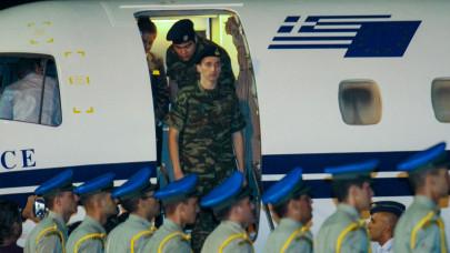 Διεθνής Τύπος Έλληνες στρατιωτικοί