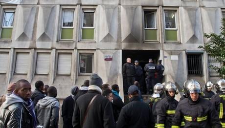ΠΥΡΚΑΓΙΑ σε κέντρο υποδοχής μεταναστών στη Γαλλία- Τρεις τραυματίες