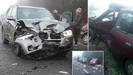Σφοδρή κακοκαιρία σαρώνει την Αγγλία: Νεκρή μια γυναίκα-Άλλα δυο άτομα χαροπαλεύουν
