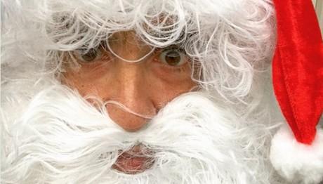Ho ho ho Merry Xmas! Έλληνας παρουσιαστής ντύθηκε Άγιος Βασίλης!