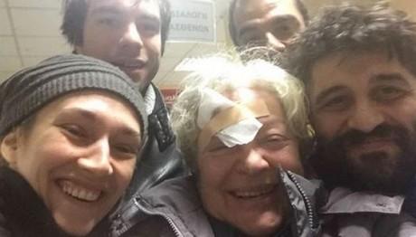 Στο νοσοκομείο η Τάνια Τσανακλίδου-Είχε ατύχημα στο θέατρ