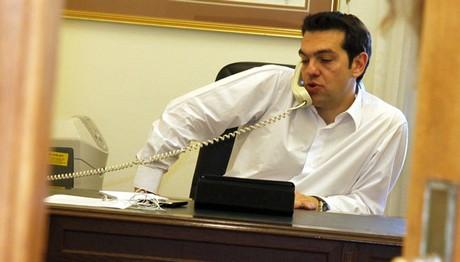 Τηλεφωνικές επικοινωνίες Τσίπρα με Γκουτέρες και Γιούνκερ για το Κυπριακό