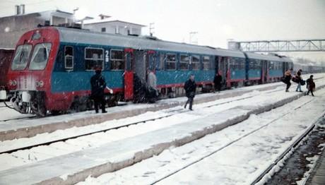 Εγκλωβισμένα 300 άτομα σε τραίνο στο Δομοκό