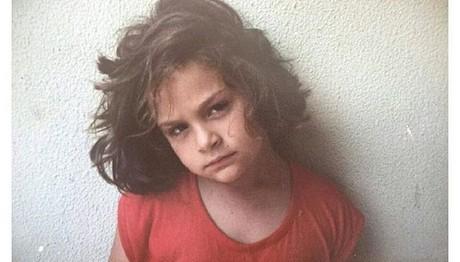 Το κοριτσάκι της φωτογραφίας είναι ΔΙΑΣΗΜΗ τραγουδίστρια