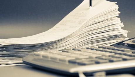 Φόρος εισοδήματος: Πληρωμή με το μήνα – Το σχέδιο του ΥΠΟΙΚ για να αυξηθούν τα έσοδα