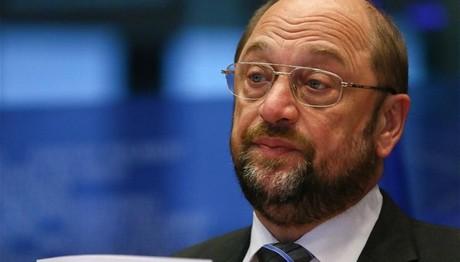 Σουλτς: Όποιος φλερτάρει με το Grexit παίζει με τη διάσπαση της Ευρώπης