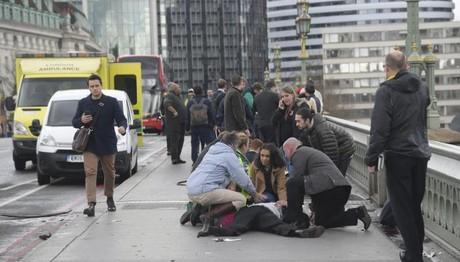 Λονδίνο 5 ΝΕΚΡΟΙ - 40 τραυματίες ο μέχρι τώρα απολογισμός