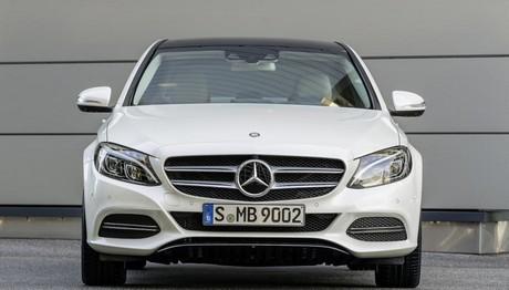 Στο τιμόνι της «αστεράτης» Mercedes C200d