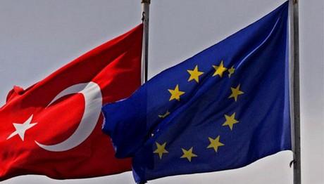 Δεν παγώνει η ενταξιακή βοήθεια στην Τουρκία