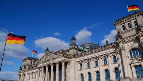 ΞΕΚΑΘΑΡΟ μήνυμα από το γερμανικό ΥΠΟΙΚ σε Τσίπρα: Πρώτα τα μέτρα και βλέπουμε… για το χρέος