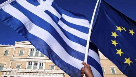 Handelsblatt: «Οι δανειστές θέλουν να ελέγξουν και πάλι την Ελλάδα»