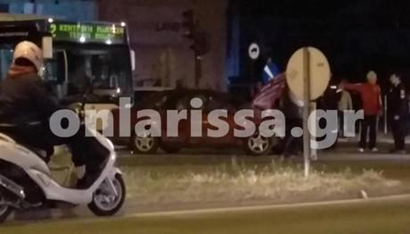 Λεωφορείο συγκρούστηκε με δύο αυτοκίνητα